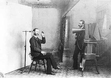 法國人Louis Daguerre無意中發現了現代攝影技術