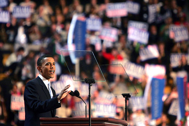 2004年7月27日,奧巴馬在波士頓的民主黨全國大會上發表演說